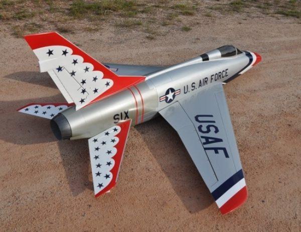 CARF F-100 D Super Sabre (Thunderbirds Scheme)